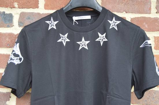 Givenchy Tattoo Stars Print T-shirt Size US M / EU 48-50 / 2 - 3
