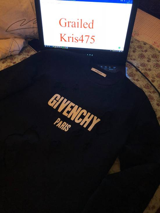 Givenchy Givenchy Destroyed Sweater With Givenchy Logo Embroidered Size US XS / EU 42 / 0 - 4