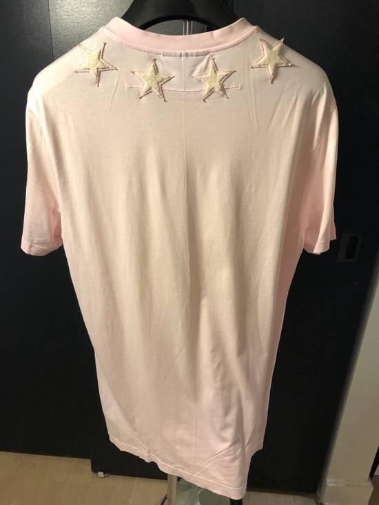 Givenchy Star T-shirt. Size US L / EU 52-54 / 3 - 1