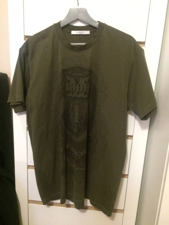 Givenchy Green Money Print T-shirt Size US M / EU 48-50 / 2
