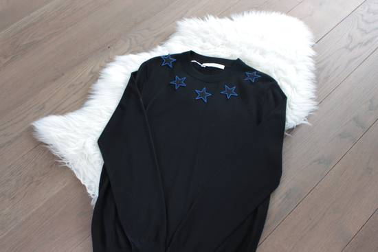 Givenchy Givenchy Star Embroidered Jumper L Size US L / EU 52-54 / 3 - 5
