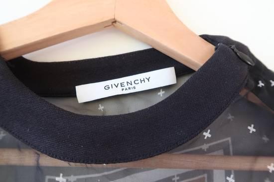 Givenchy Women's silk shirt Size US S / EU 44-46 / 1 - 3