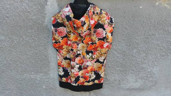 Givenchy $1050 Givenchy Floral and Butterfly Print Rottweiler Oversized Sleeveless Hoodie Top size S (M / L) Size US S / EU 44-46 / 1 - 10