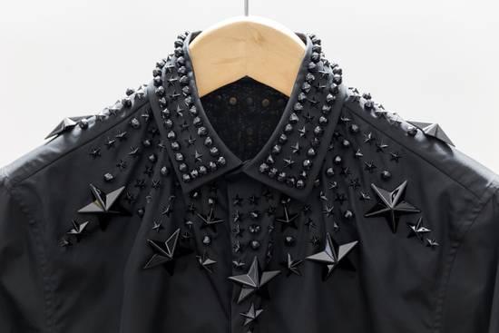 Givenchy Black Stars & Beads Crystal Applique Cuban-Fit Shirt Size US M / EU 48-50 / 2 - 4