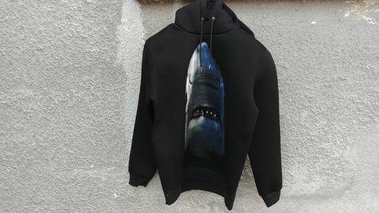 Givenchy $1350 Givenchy Shark Print Rottweiler Stars Neoprene Hoodie size M Size US M / EU 48-50 / 2
