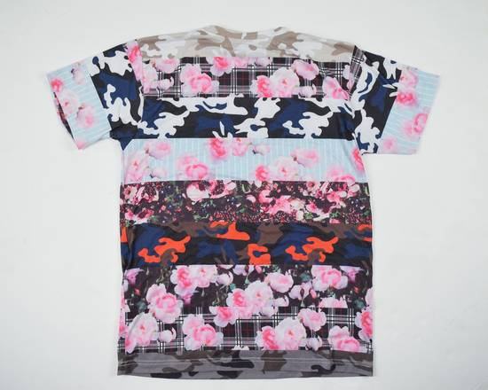 Givenchy Camo Floral Paneled Tee Size US S / EU 44-46 / 1 - 6