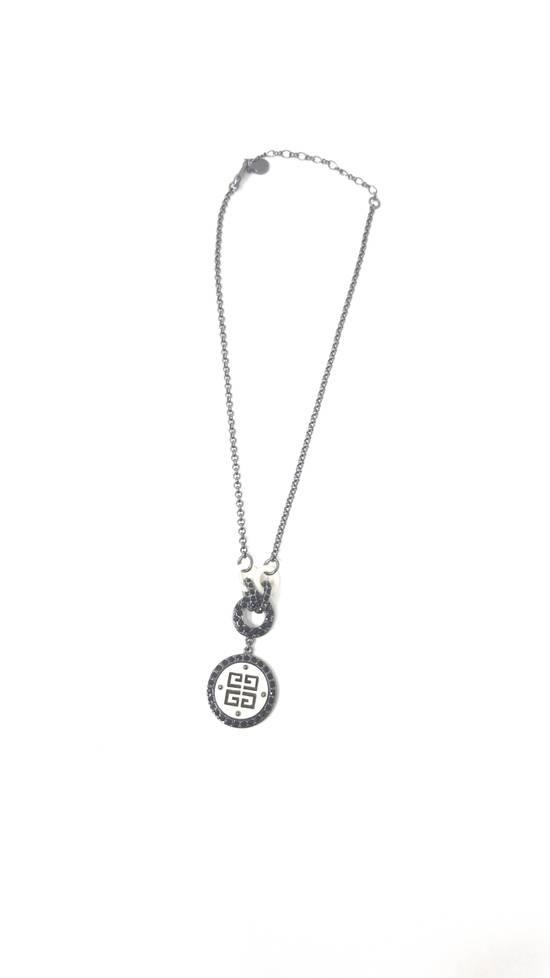 Givenchy Logo necklace doble sided Size ONE SIZE - 6