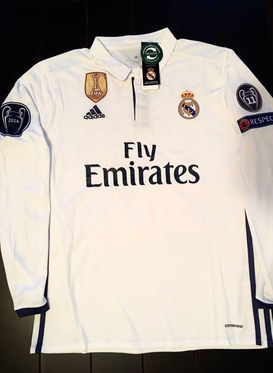 brand new 946a0 b4630 Cristiano Ronaldo 16/17 Real Madrid Home Jersey