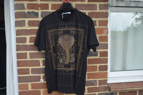 Givenchy Brown Cobra Print T-shirt Size US M / EU 48-50 / 2