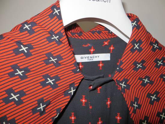 Givenchy Printed scarf shirt Size US M / EU 48-50 / 2 - 8
