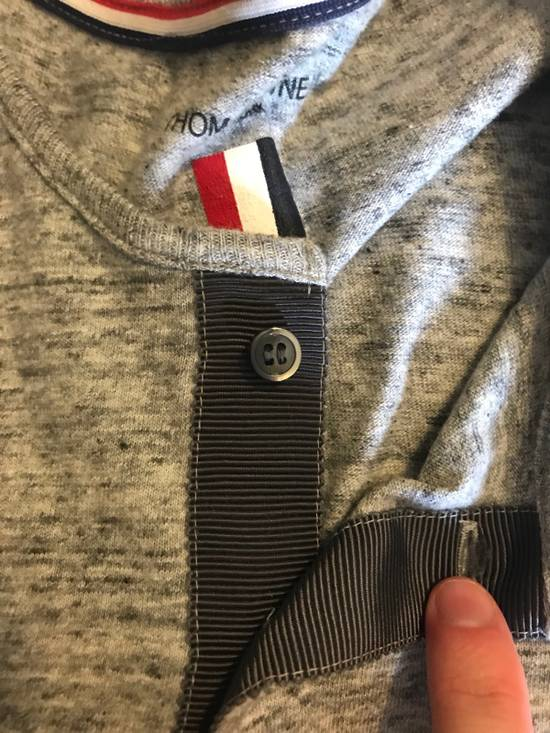 Thom Browne Thom Browne Grey Henley Cotton T-shirt with Grey Grosgrain Size US S / EU 44-46 / 1 - 5