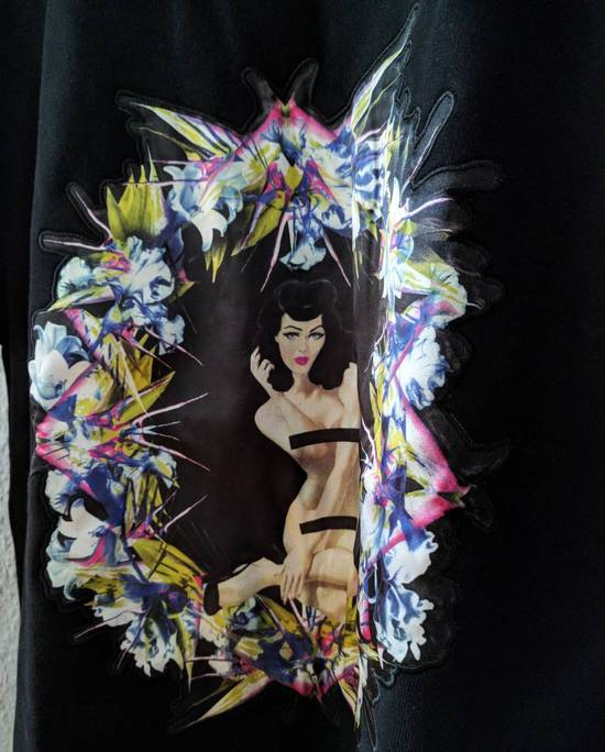 Givenchy Pin Up and Wreath Applique Sweatshirt Size US S / EU 44-46 / 1 - 6