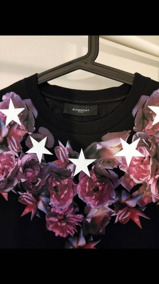 Givenchy Flower T Size US M / EU 48-50 / 2 - 3