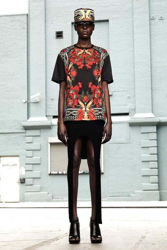 Givenchy $780 Givenchy Birds of Paradise Iris Floral Rottweiler Oversized T-shirt size XS Size US M / EU 48-50 / 2 - 1