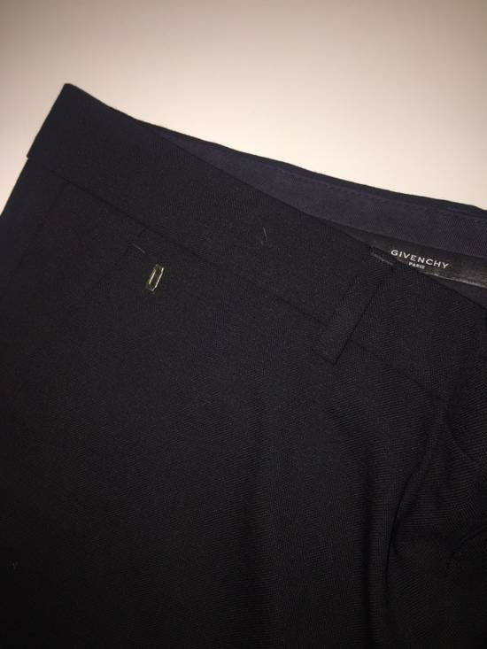 Givenchy GIVENCHY SHORTS WITH PANEL From Fashion Show Size US 33 - 2