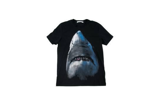 Givenchy Shark Shirt Size US S / EU 44-46 / 1