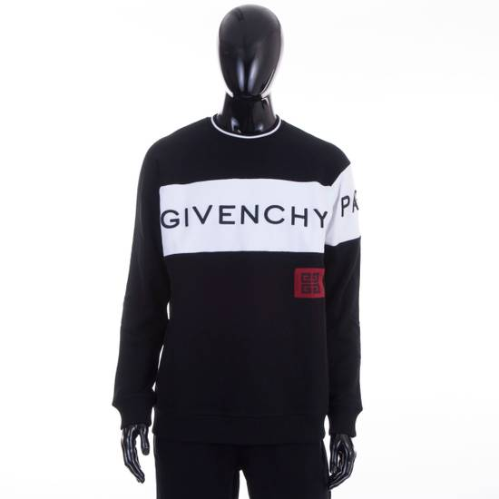 Givenchy Black Givenchy Paris 4G Embroidered Sweatshirt Size US M / EU 48-50 / 2