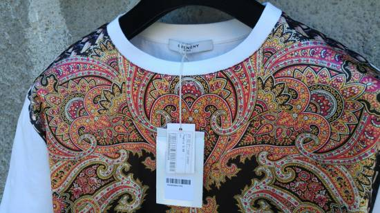 Givenchy $685 Givenchy Satin Paisley Floral Birds of Paradise Oversized T-shirt size S (M) Size US M / EU 48-50 / 2 - 6
