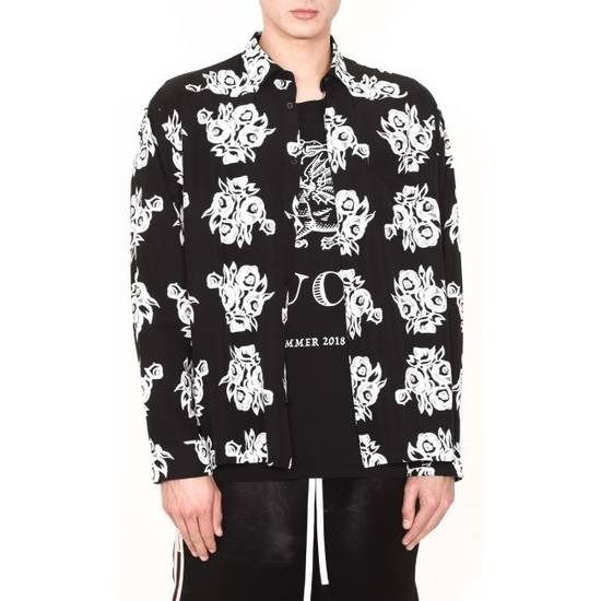 Givenchy FLOWERS PRINTED VISCOSE SHIRT Size US M / EU 48-50 / 2 - 3