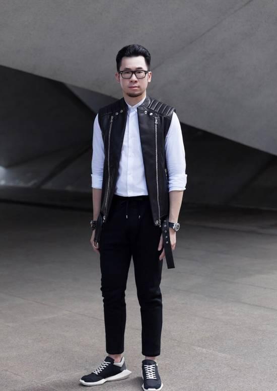 Balmain Leather Sleeveless Biker Jacket Size US M / EU 48-50 / 2 - 6