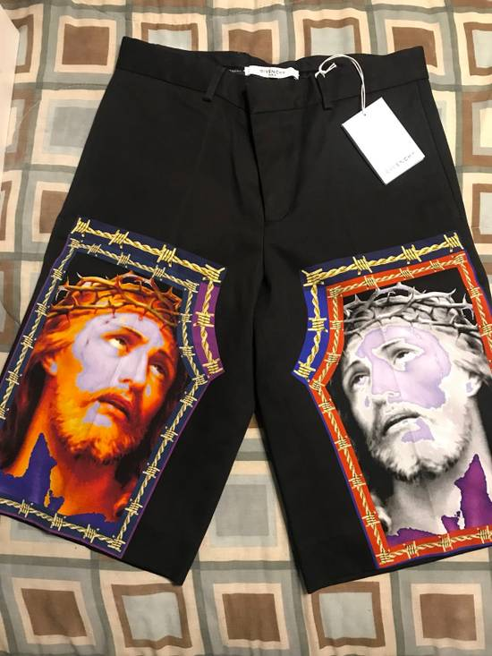Givenchy Jesus face Shorts Size US 31