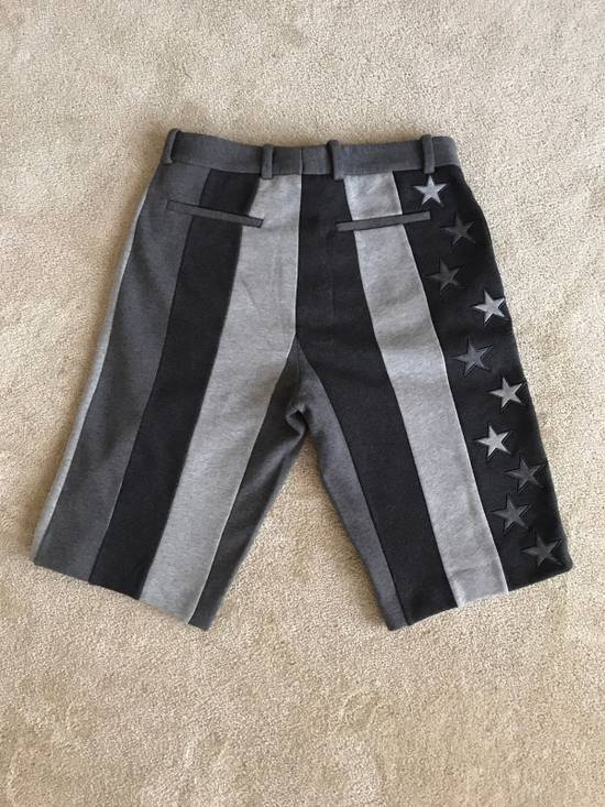 Givenchy Givenchy Star And Stripe Shorts Size US 32 / EU 48 - 2