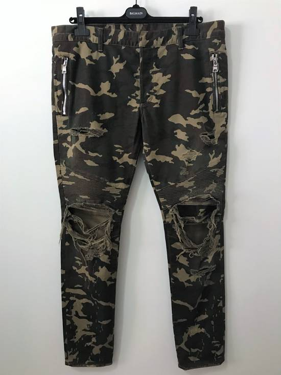 Balmain Size 36 - Heavily Distressed Camo Biker Jeans - FW17 - RARE Size US 36 / EU 52 - 2