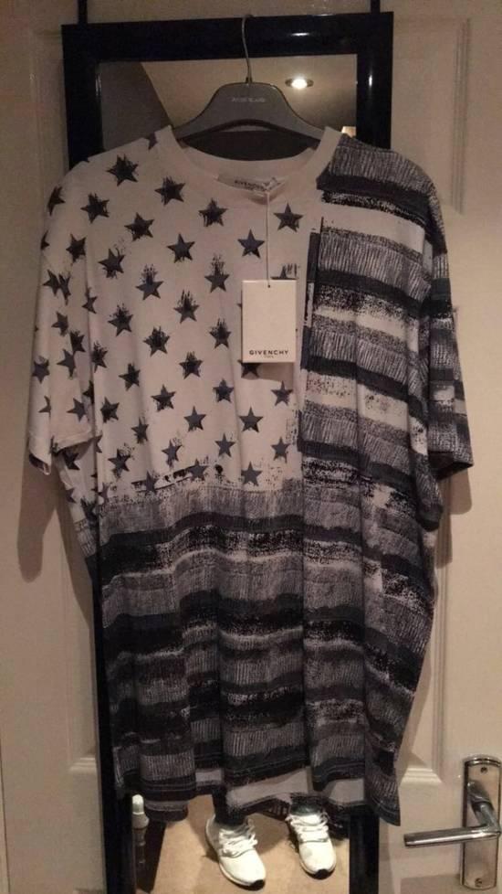 Givenchy Stars Stripes Tee Size US XS / EU 42 / 0