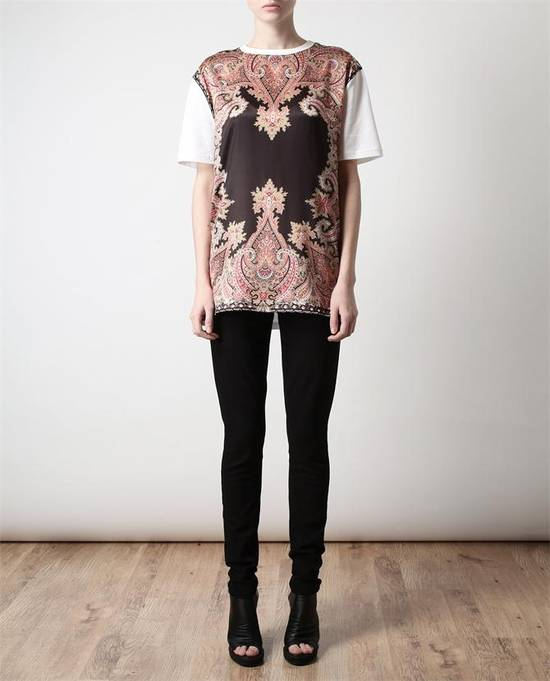 Givenchy $685 Givenchy Satin Paisley Floral Birds of Paradise Oversized T-shirt size S (M) Size US M / EU 48-50 / 2 - 2