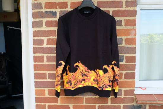 Givenchy Flame Print Sweater Size US M / EU 48-50 / 2