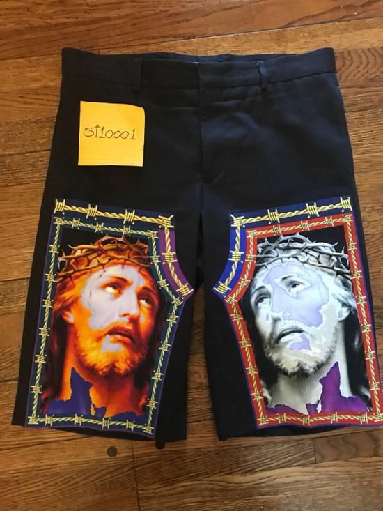 Givenchy Jesus Print Shorts Size US 32 / EU 48
