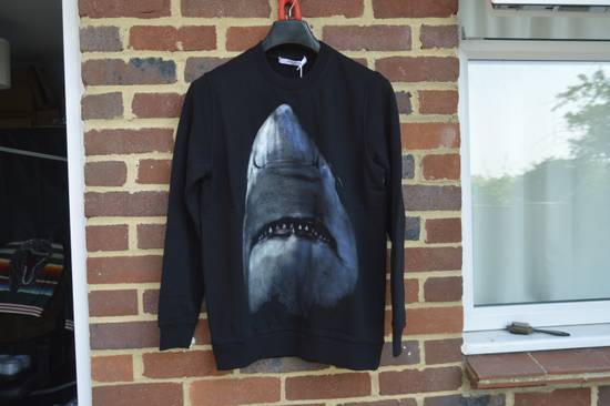 Givenchy Shark Print Sweater Size US S / EU 44-46 / 1