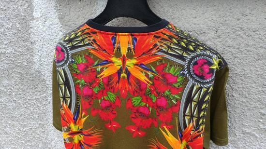 Givenchy $745 Givenchy Khaki Birds of Paradise Iris Floral Rottweiler Oversized T-shirt size XS Size US XS / EU 42 / 0 - 8