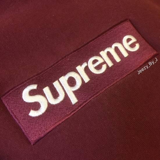 Supreme Supreme Box Logo Hoodie. 2011 Burgundy Size US M / EU 48-50 / 2