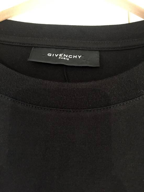 Givenchy Long-sleeve T-Shirt with red accented knitting Size US M / EU 48-50 / 2 - 3