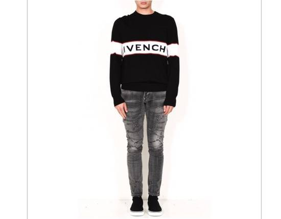 Givenchy BRAND NEW GIVENCHY LOGO EMBROIDERED WOOL SWEATER Size US M / EU 48-50 / 2