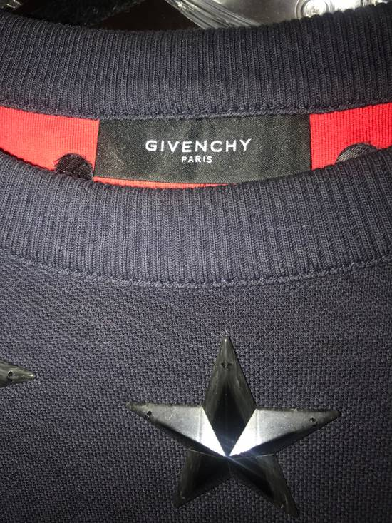 Givenchy Round Hem Cropped Sweatshirt With Antiqued Stars Size US S / EU 44-46 / 1 - 1