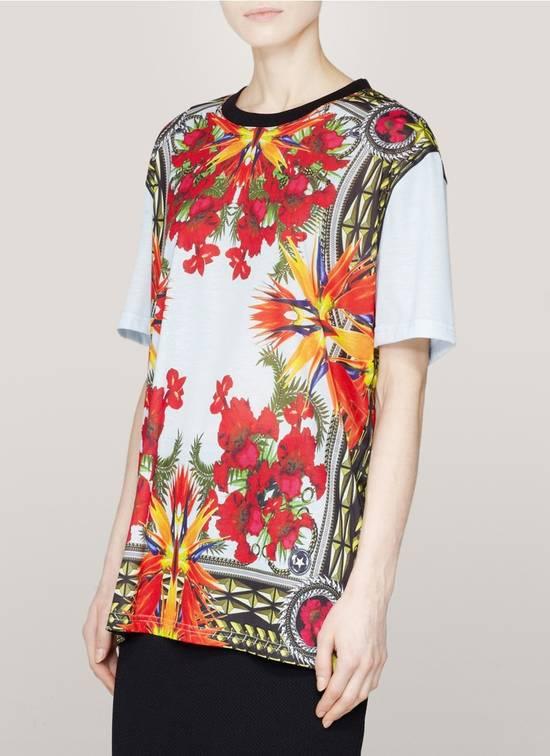 Givenchy $740 Givenchy Baby Blue Iris Floral Birds of Paradise Oversized T-shirt size XS Size US XS / EU 42 / 0 - 1