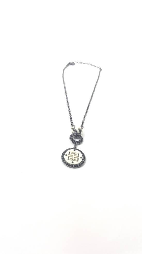 Givenchy Logo necklace doble sided Size ONE SIZE - 7