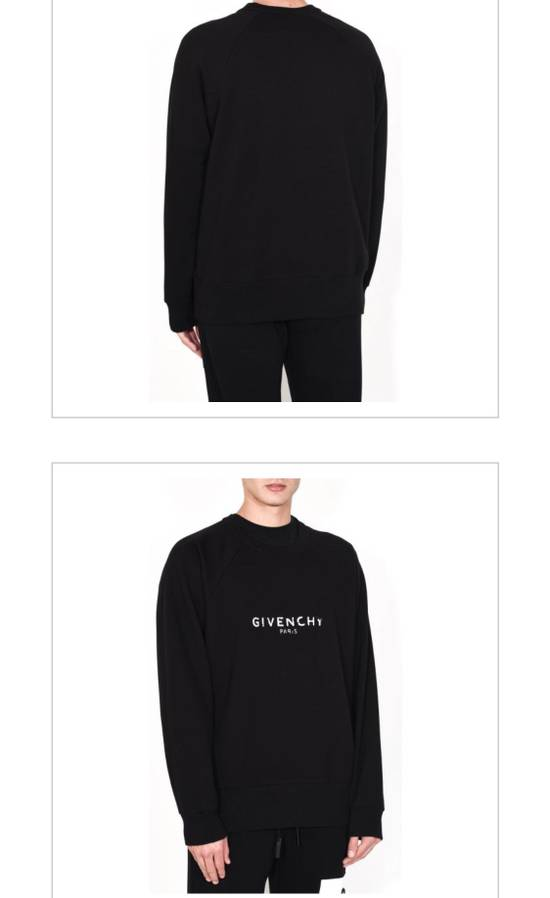 Givenchy Brand New Givenchy New Season With Givenchy Logo Embroidered Sweater Size US M / EU 48-50 / 2 - 7