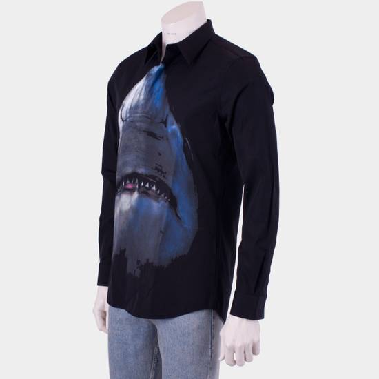 Givenchy 835$ Slim Fit Black Cotton Shark Printed Shirt Size US S / EU 44-46 / 1 - 2