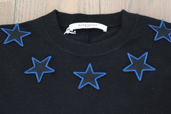 Givenchy Givenchy Star Embroidered Jumper L Size US L / EU 52-54 / 3 - 2