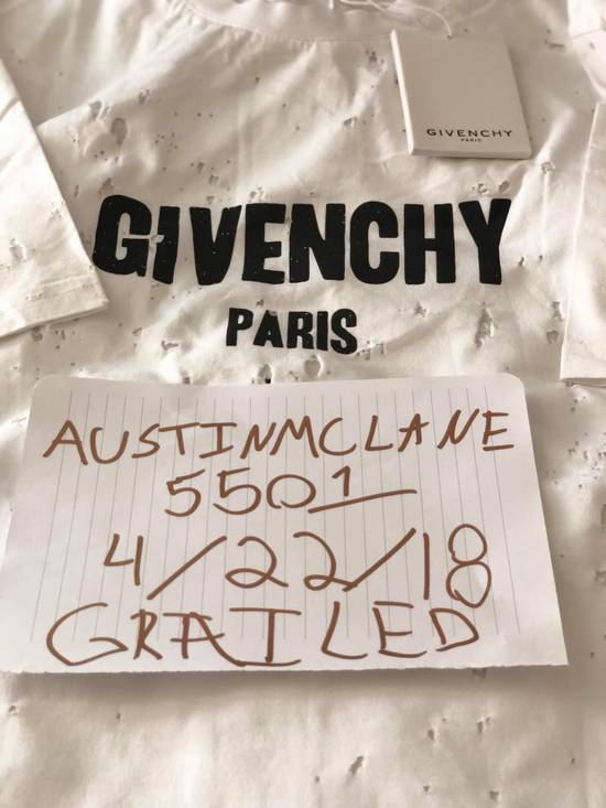 Givenchy GIVENCHY White distressed logo T-shirt Size US M / EU 48-50 / 2 - 1