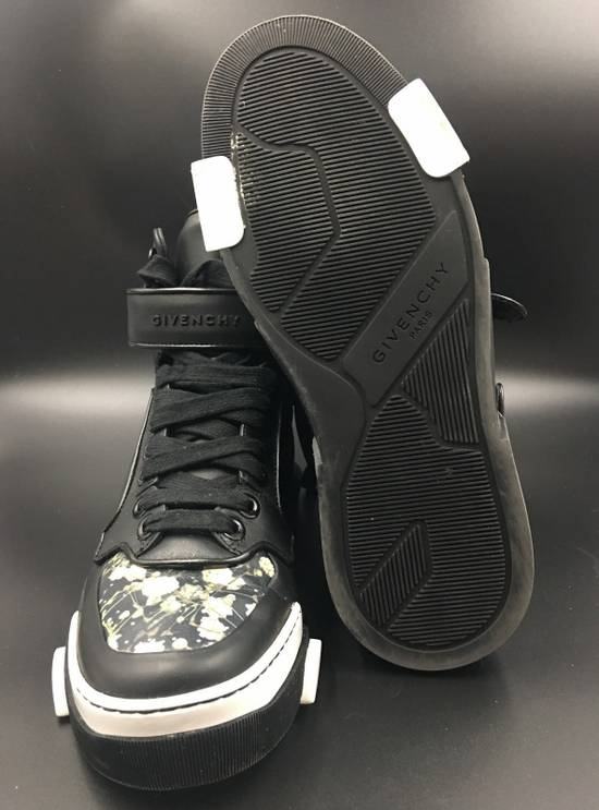 Givenchy Givenchy Tyson Floral Toe Printed Sneakers Size US 7 / EU 40 - 2