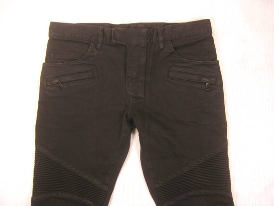 Balmain Classic Moto Jeans Made in Japan Style No. W4HT551C710W Black Coated Skinny Stretch Denim Biker Pants 32 x 32 Size US 32 / EU 48 - 4