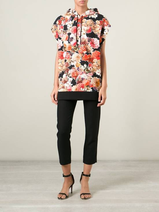 Givenchy $1050 Givenchy Floral and Butterfly Print Rottweiler Oversized Sleeveless Hoodie Top size S (M / L) Size US S / EU 44-46 / 1 - 4