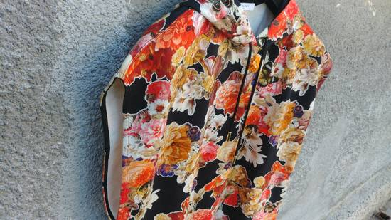 Givenchy $1050 Givenchy Floral and Butterfly Print Rottweiler Oversized Sleeveless Hoodie Top size S (M / L) Size US S / EU 44-46 / 1 - 7
