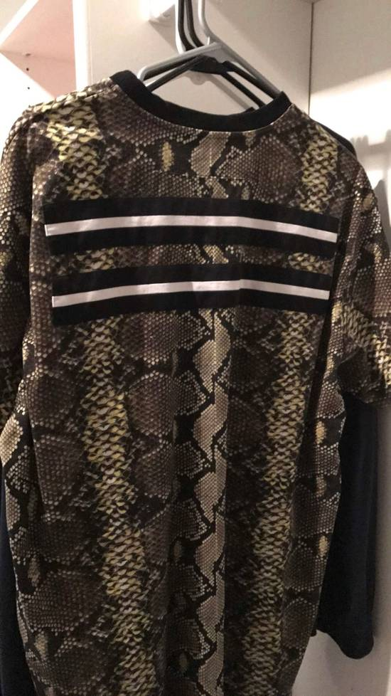 Givenchy Givenchy Python T-shirt Size US M / EU 48-50 / 2