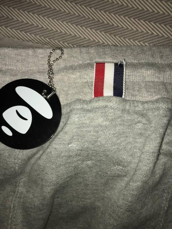 Thom Browne Sweatpants with engineered 4 stripe Size US 33 - 2