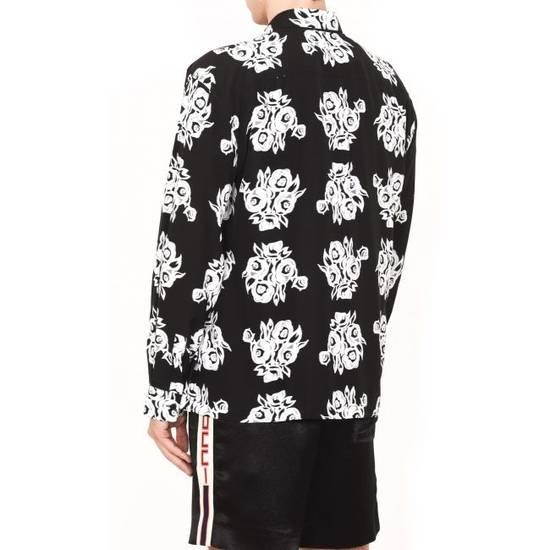 Givenchy FLOWERS PRINTED VISCOSE SHIRT Size US M / EU 48-50 / 2 - 2